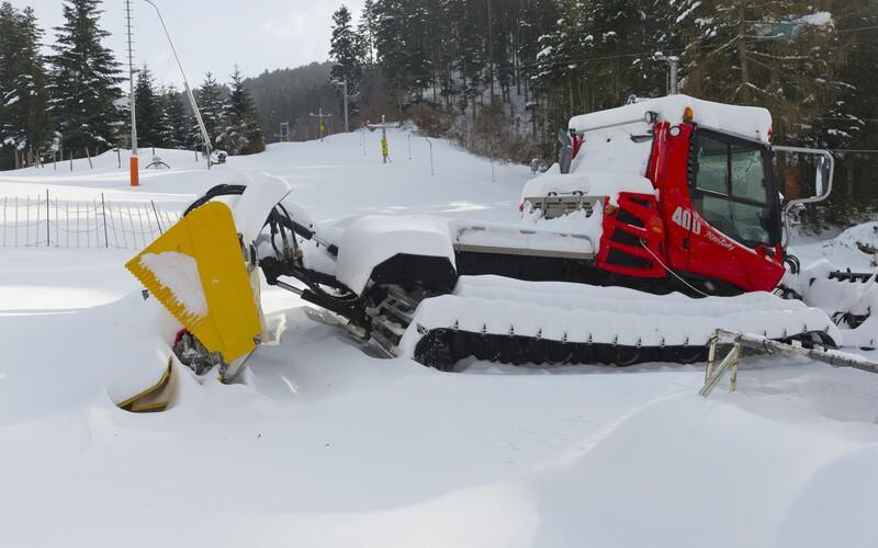 Na Slovensko sa vracia tuhá zima, priprav sa na intenzívne sneženie.