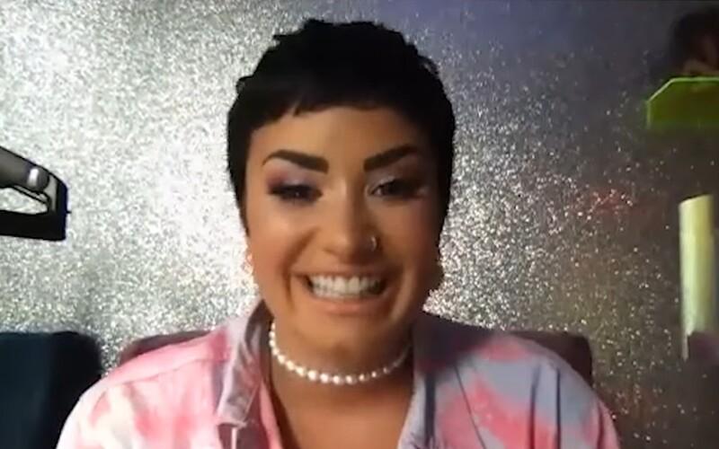 """Demi Lovato říkají, že si jejich rodina na oslovování """"oni"""" zvykla. Chápou ale, že to pro některé lidi může být těžké."""