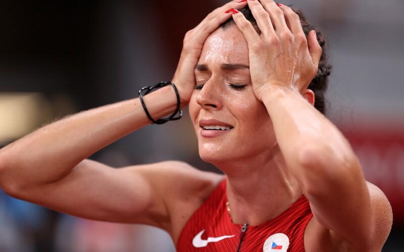 Česká atletka Kristiina Mäki překonala 7 měsíců po porodu český rekord na olympiádě a postoupila do finále běhu na 1500 metrů!