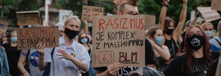 Ak mlčíš, tak s rasizmom súhlasíš: Takto to vyzeralo na dnešnom Black Lives Matter proteste v Bratislave