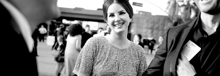Lana Del Rey jde off-line. Deaktivovala si všechny své sociální sítě