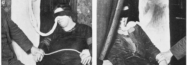 Před rituály s mrtvými se svlékla do naha. Byla poslední britskou čarodějnicí, nebo podvodnicí?