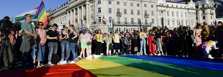 Zákaz rozprávania o LGBT+ komunite je ako zákaz informovania o existencii ľavákov, hovorí spoluzakladateľ Dúhy.sk (Rozhovor)