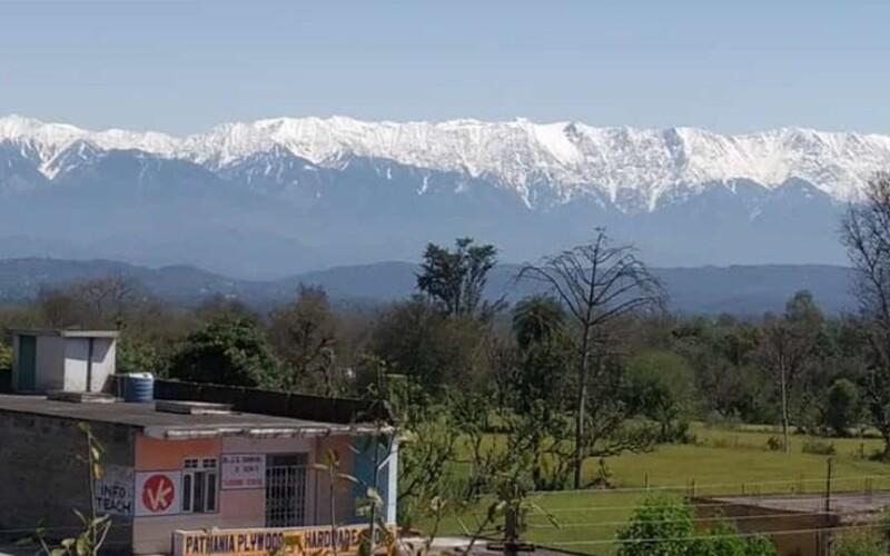Mizející znečištění odhalilo Himálaj Indům, kteří dosud neměli možnost majestátní pohoří vidět.