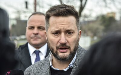 Adam Berka končí v Teame Vallo. Bratislavský primátor kritizuje jeho nezodpovedné správanie
