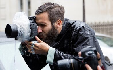 Adam Katz Sinding: Fotograf stojaci za mnohými Street Style zábermi, ktorými sa inšpiruje celý svet (Rozhovor)
