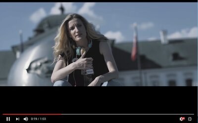 Adela Banášová predviedla trestuhodný výkon na nemeckej rapovej skladbe, ktorá pokazí deň aj tebe
