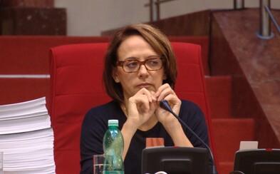 Adriana Krnáčová napsala detektivku, ve které nesmlouvavý primátor zápolí s úplatnými politiky
