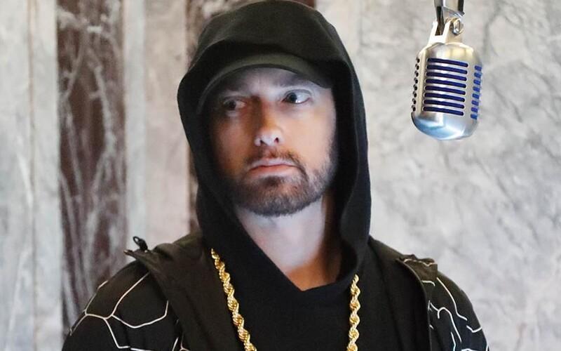Eminem dissuje jako za starých časů, odsuzuje policejní brutalitu a vzdává poctu Georgi Floydovi.