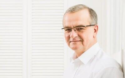 Miroslav Kalousek se vzdal poslaneckého mandátu. Dočkal se potlesku vestoje.