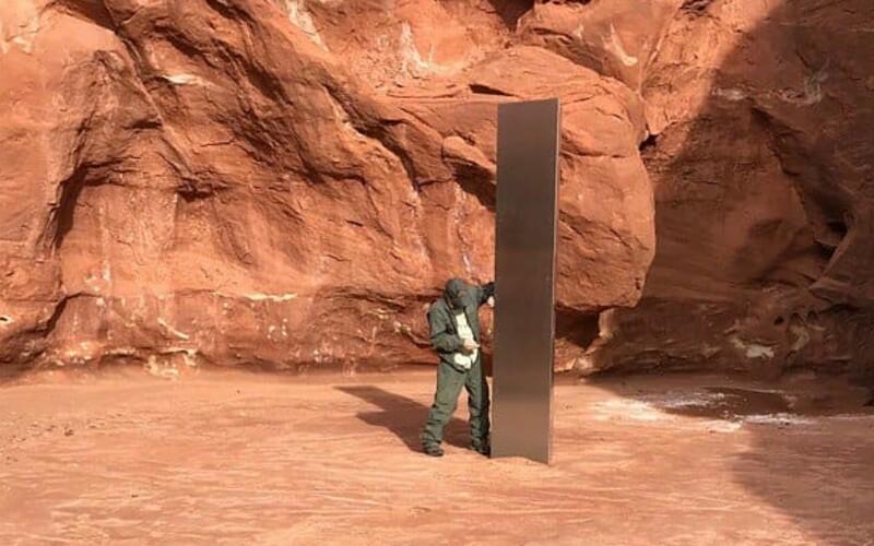 Záhadný monolit leží v poušti v Utahu již od roku 2016.