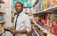 Afričan vyvinul aplikaci, která pomáhá zemím třetího světa v boji s hladem. Sám neměl co jíst a nyní zachraňuje tisíce lidí