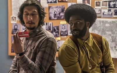 Afroameričan se infiltruje do Ku-klux-klanu v komediálním filmu, který chytře odhaluje rasové problémy USA (Recenze)