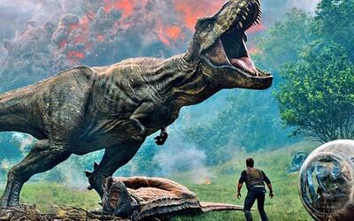 Agresívne dinosaury, utekajúce dinosaury a vystrašená záchranná skupina ľudí. Debutový trailer pre pokračovanie Jurassic World je tu!