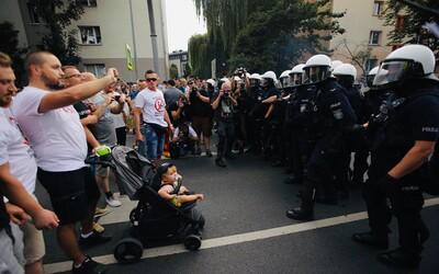 Agresívni extrémisti napadli pochod homosexuálov v Poľsku