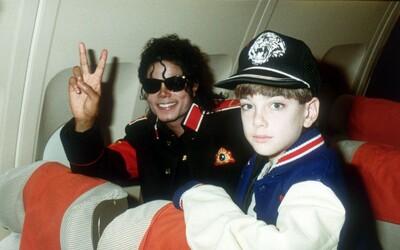 Agresivní muž si myslel, že je syn Michaela Jacksona. Chtěl na Pražský hrad, skončil na psychiatrii
