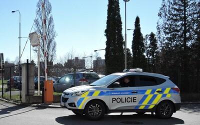 Agresivní muž v Brně utekl v trenýrkách z nemocnice. Tvrdil, že je prezident a chtěl všechny zbít
