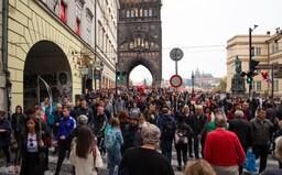 Airbnb je důvod, proč místní nenávidí centrum Prahy. Hostů je stále více, vymykají se kontrole a bývají vulgární, opilí a hluční