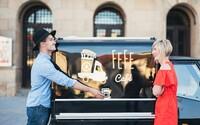 Aj káva z ulice môže byť zážitkom. Dôkazom toho je trnavská pojazdná kaviareň Fefe Café (Rozhovor)