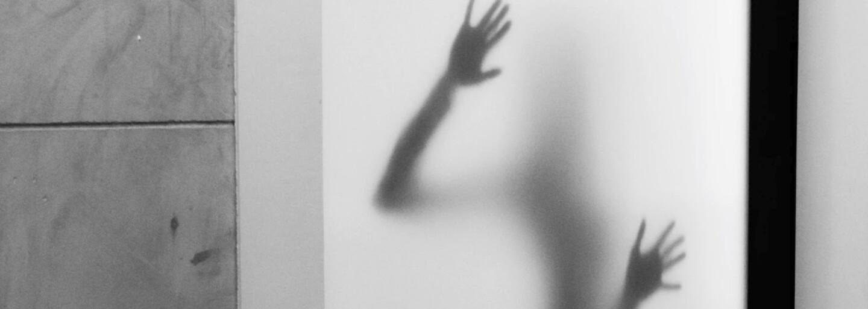 policejní gay znásilnění porno Sex příběhy spolubydlící přítelkyně