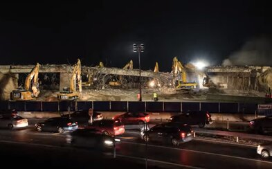 Aj Slováci vedia efektívne demolovať nadjazdy. Časozberné video ti ukáže, ako za jedinú noc zmizol most nad diaľnicou