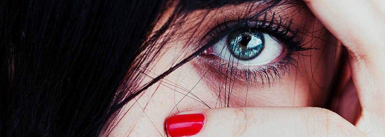 Aj ty pravdepodobne trpíš očnou vadou. Slovákov aj odborníka sme sa pýtali na triky, ako sa starať o oči (Video)