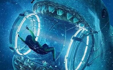 Ak nechcete skončiť na jedálničku prehistorického žraloka, radšej sa moru vyhnite. Akčná jazda s Jasonom Stathamom sľubuje svižnú zábavu