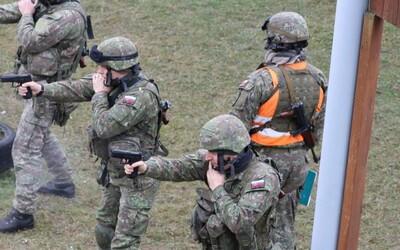 Ak príde vojna, desaťtisíce Slovákov nebudú bojovať. Ako odmietnuť výkonu mimoriadnej služby? (To najlepšie z Refresheru)