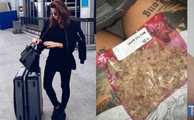 Pokud ti na letišti v Los Angeles najdou v zavazadle marihuanu, už se nemusíš strachovat. S rostlinou můžeš legálně odletět