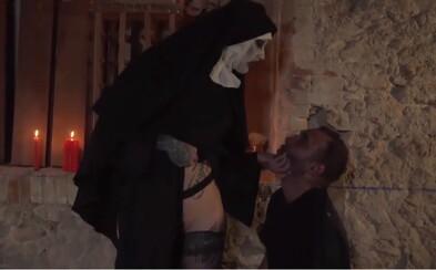 Jaké porno sledovali lidé během Halloweenu? Pornhub zveřejnil zajímavé statistiky