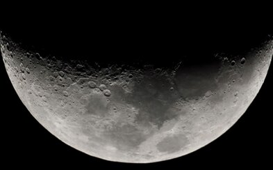 Ako Apollo astronauti pred nimi. Vesmírna spoločnosť SpaceX pošle dvoch ľudí na výletnú cestu okolo Mesiaca