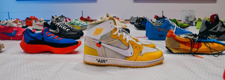 Ako funguje biznis s fejkmi: Ak zistíš, že zákazník vie príliš veľa o značke, mal by si mu predať radšej pravú obuv