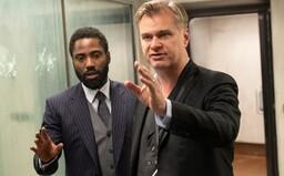 Ako natáčal Nolan šialené akčné scény v Tenet? 10-minútové video zo zákulisia odhalí, ako narazili s Boeingom do budovy