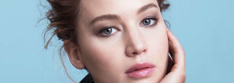Jak se obléká nejlépe placená herečka? Jennifer Lawrence cit pro módu rozhodně nechybí