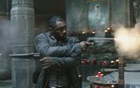 Ako sa podaril súboj Pištoľníka Rolanda a démonického Muža v čiernom? Zámorskí kritici zhodnotili očakávanú fantasy Temná veža