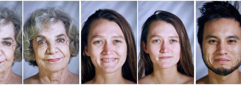 Ako sa zmení výraz tváre, keď sa človek postaví pred kameru úplne nahý? Niekto sa začne uškŕňať a iný vyzerá úplne rovnako