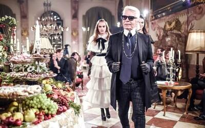 Ako to vyzeralo na honosnej prehliadke Chanel? Pozrite si nasledujúce video