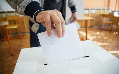 Ako voliť zo zahraničia alebo mimo trvalého bydliska na Slovensku? Podanie žiadosti trvá menej ako 3 minúty
