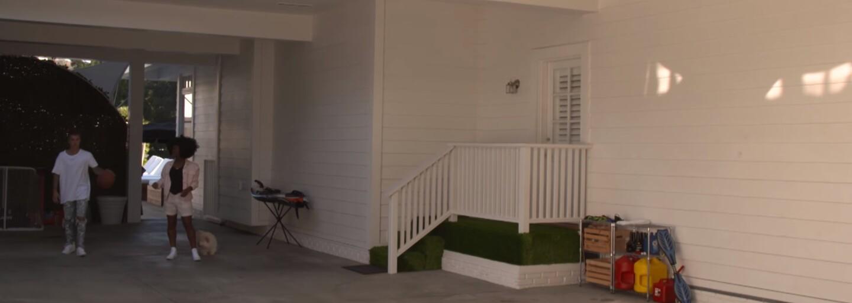 Ako vyzerá areál luxusného domu Justina Biebera v Los Angeles? Prejdi sa po ňom spoločne s kanadským spevákom