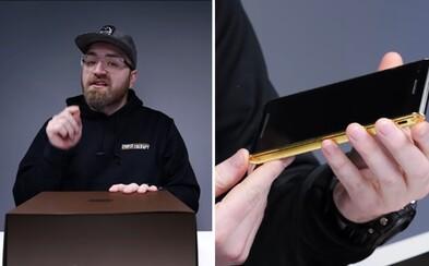 Ako vyzerá rozbaľovanie mobilu za 20-tisíc dolárov? Je pokrytý talianskou kožou, dbá na bezpečnosť a nechýbajú mu prémiové doplnky