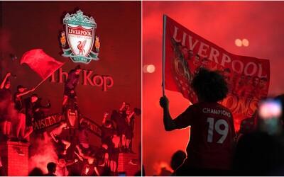 Ako vyzerali bujaré oslavy Liverpoolu po získaní titulu? Fanúšikovia sa aj napriek zákazu zhromaždili v tisíckach