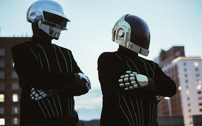 Ako vyzerali Daft Punk za mlada? Od chlapcov k robotom v priebehu pár rokov