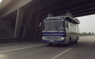 Ako vznikal ikonický Red Bull Tour Bus?
