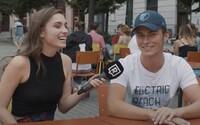 Ako zvládajú mladí Slováci nosenie rúšok v škole? Niektorí podvádzajú, iní majú hodiny vonku