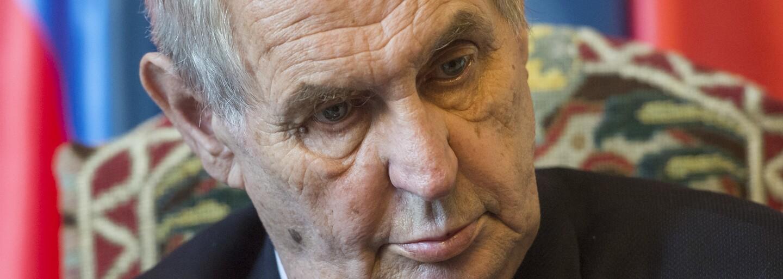 AKTUALIZACE: Zeman se k tornádu vyjádří v sobotu večer, do zasažených oblastí poslal vojáky Hradní stráže