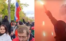 Aktualizované: Na proteste proti Matovičovi a opatreniach zasahovala polícia slzným plynom