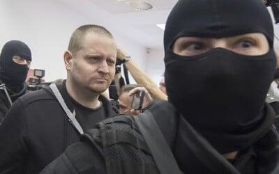 Aktualizované: Prvé fotografie Mariana Kočnera, Aleny Zsuzsovej a Miroslava Marčeka zo súdu. Toto sú obvinení z vraždy Kuciaka