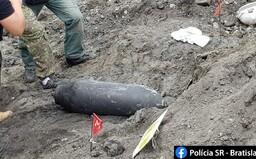 Aktualizované: V okolí Mlynských nív v Bratislave našli leteckú bombu z druhej svetovej vojny, zneškodnia ju na inom mieste
