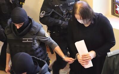 Alena Zsuzsová dostala za sprostredkovanie vraždy primátora Hurbanova trest 21 rokov. Usvedčil ju Andruskó