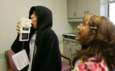 Alergie a astma môžu pomáhať pri boji s koronavírusom, hovoria americkí vedci